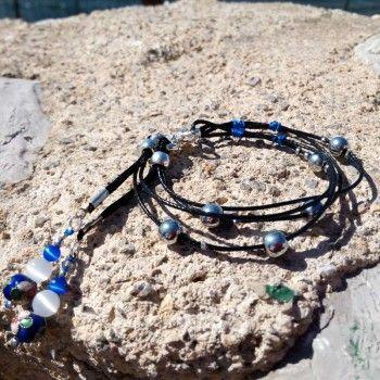 44bacabd31f9 La pulsera hecha a mano Blue Drop combina el negro con el azul intenso del  cloissone