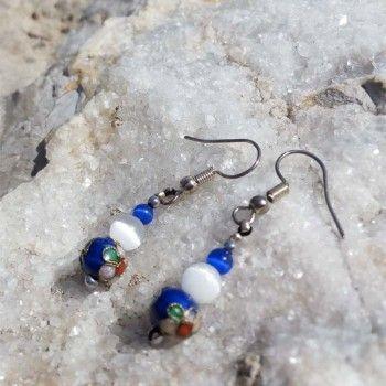 Vintage blau und weiss Ohrringe mit Katzenauge und Cloisonné