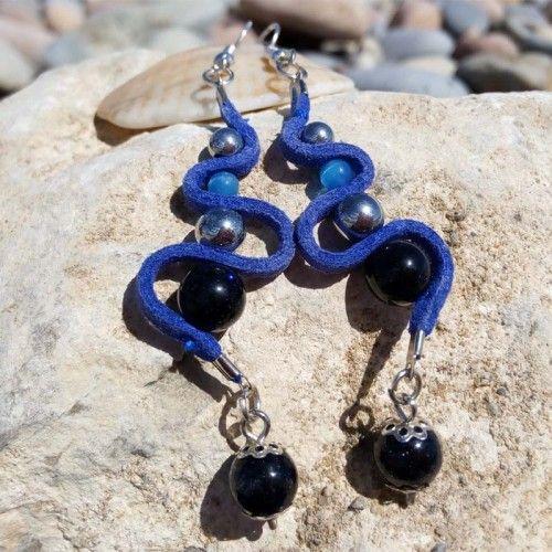 a40b236e7a7 Longues boucle d oreille femmes bleues et argentées avec doré ...